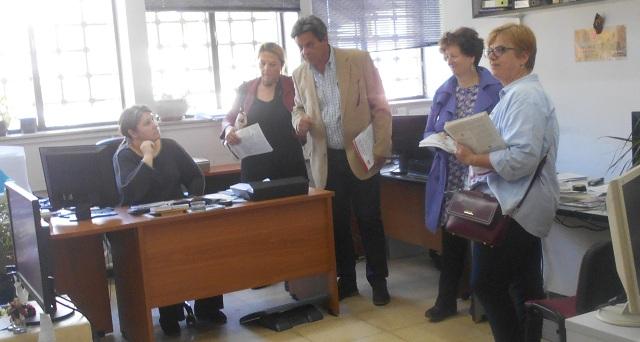 Περιοδεία υποψηφίων της ΛΑ.Σ. στο Δημαρχείο Βόλου
