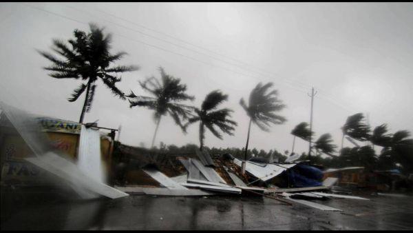 Ινδία: Ο κυκλώνας Φάνι κατευθύνεται στην Καλκούτα