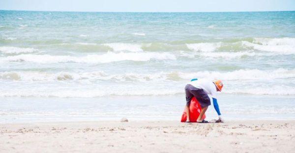 Επιχείρηση καθαρισμού ακτών