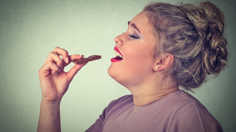 Η νευροβιολογία της μάσας: Γιατί δεν μπορείτε να σταματήσετε όταν τρώτε κάτι νόστιμο
