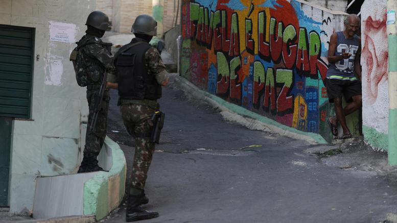 Οκτώ νεκροί σε αστυνομική επιχείρηση σε φαβέλα στο Ρίο