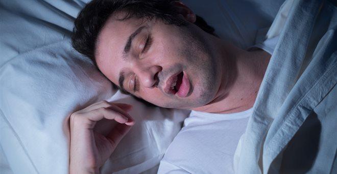 Το έντονο ροχαλητό προκαλεί κινδύνους για την υγεία
