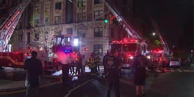 Έξι νεκροί, μεταξύ των οποίων 4 παιδιά, από πυρκαγιά σε διαμέρισμα στη Νέα Υόρκη