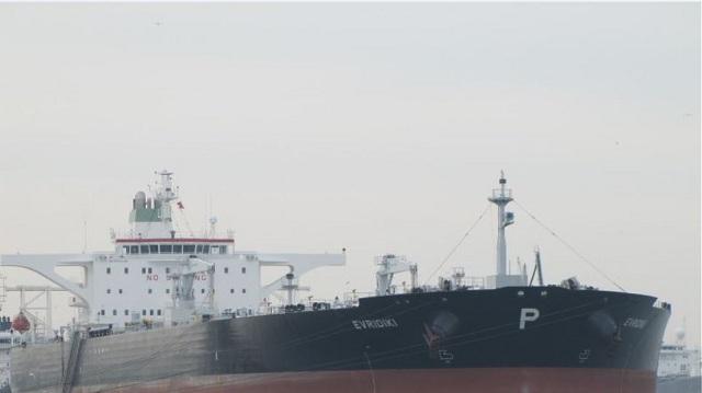 Έλληνες ναυτικοί κρατούνται «όμηροι» στις ΗΠΑ