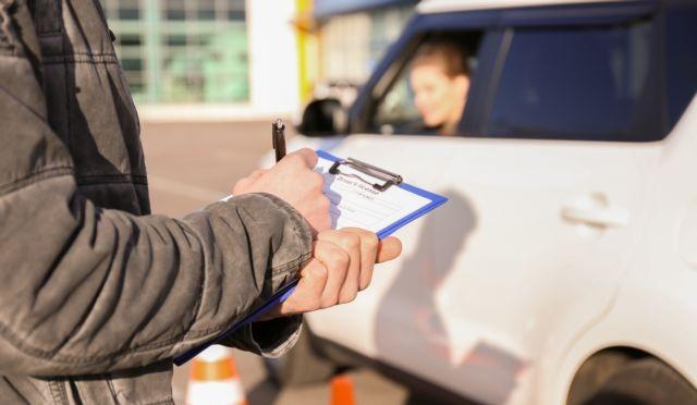 Συνεχίζεται ο «πόλεμος» εκπαιδευτών οδήγησης – υπ. Μεταφορών