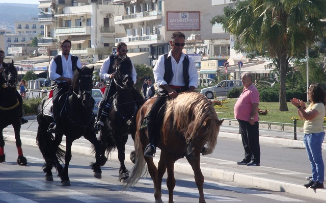 Δεκάδες ιππείς στον Βόλο