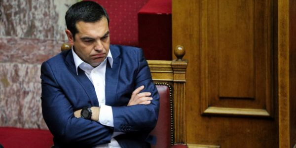 Bloomberg: Η Ελλάδα κινδυνεύει με κυρώσεις - Με την απόφαση Τσίπρα για μείωση πρωτογενούς πλεονάσματος
