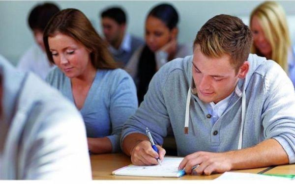 Καθηγητές διδάσκουν σε καθηγητές