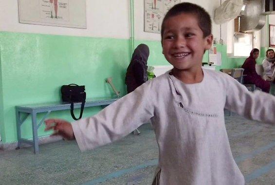 Ο χορός του 5χρονου που απέκτησε προσθετικό μέλος έγινε viral