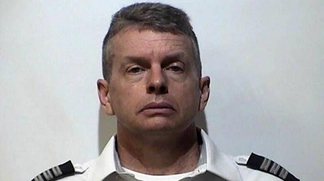 Συνελήφθη σε αεροδρόμιο πιλότος για το φόνο τριών ατόμων