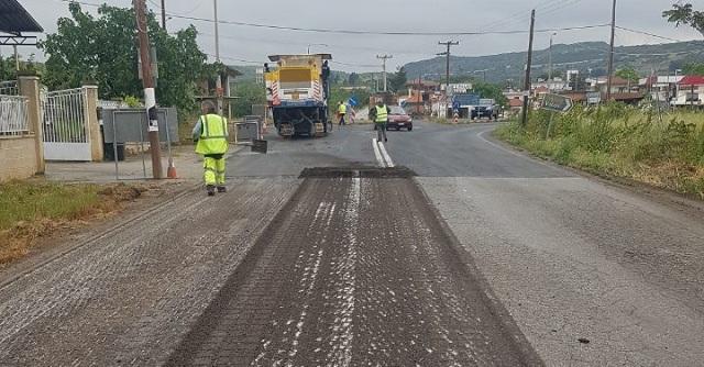 Ασφαλτικές εργασίες σε περιοχές του Δήμου Βόλου από την Περιφέρεια