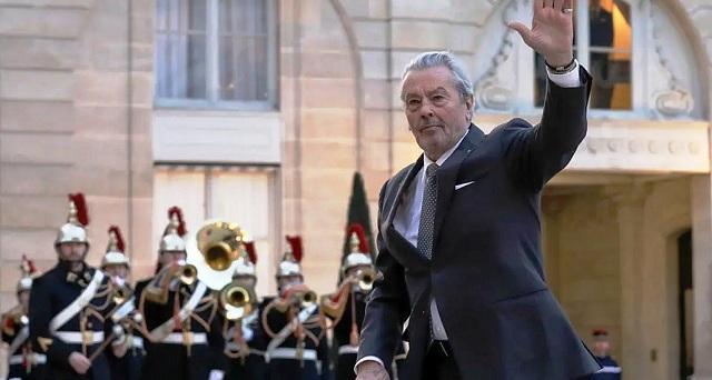 Έναρξη του Φεστιβάλ Καννών με αντιδράσεις για τη βράβευση του Αλέν Ντελόν