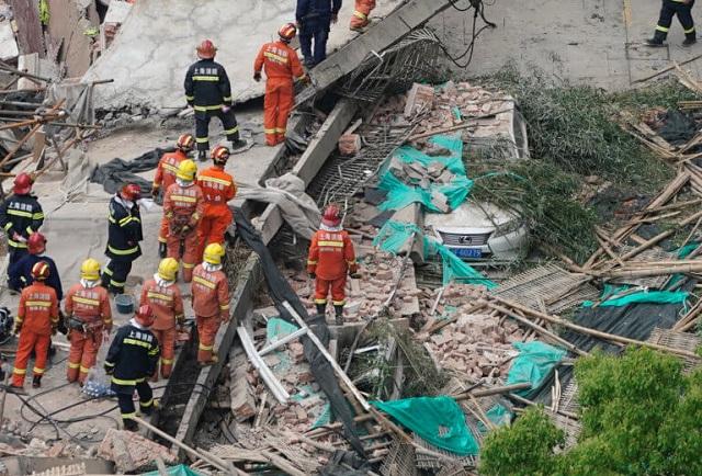 Κίνα: Αγωνία για τους εγκλωβισμένους μετά από κατάρρευση κτιρίου