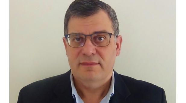 Ο νοσοκομειακός γιατρός Κυριάκος Αβραμίδης υποψήφιος με τον Αχιλλέα Μπέο