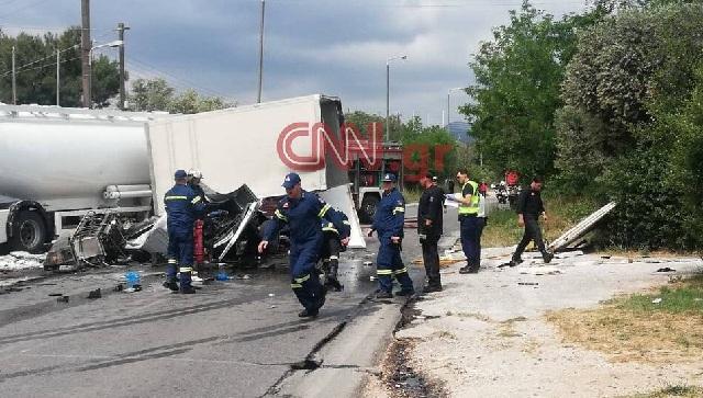 Συναγερμός στην Πυροσβεστική: Σοβαρό τροχαίο με βυτιοφόρο στη λεωφόρο Κορωπίου –Μαρκοπούλου