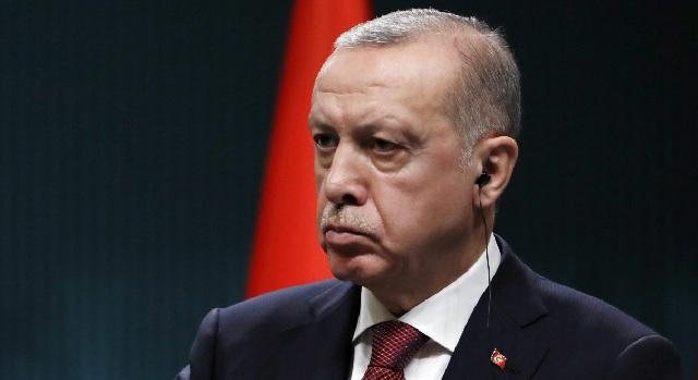 Ο Ερντογάν συνέλαβε το μισό υπουργείο Εξωτερικών
