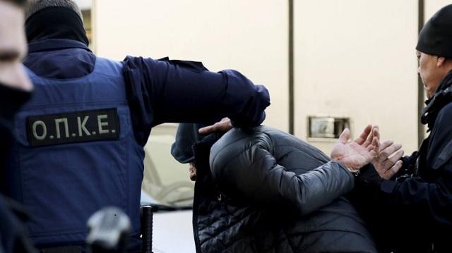 Στη φυλακή μητέρα και πατριός που ξύρισαν το κεφάλι της κόρης τους