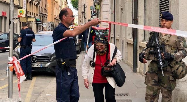 Έκρηξη στη Λυών: Η αστυνομία ψάχνει τον ποδηλάτη βομβιστή