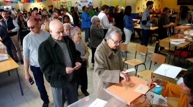Ισπανία: Ψηφοδέλτιο γυναικών έστειλε ...σπίτι του τον επί 16 χρόνια δήμαρχο [εικόνα]