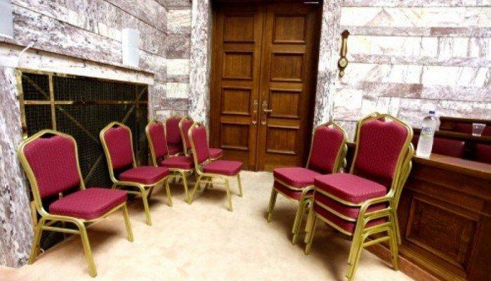 Το μυστικό δωμάτιο στην ελληνική Βουλή που έμεινε κλειστό για 40 χρόνια