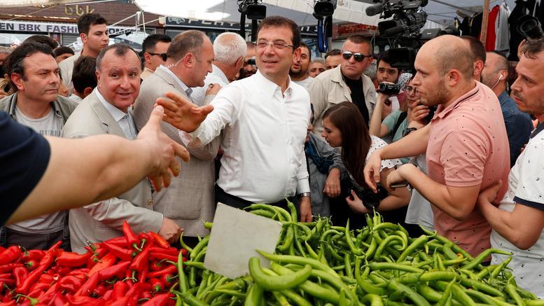 Δημοσκόπηση: Προβάδισμα Ιμάμογλου έναντι του Ερντογάν για την Κωνσταντινούπολη