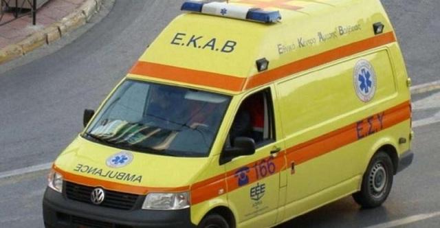 Ηλικιωμένη οδηγός τραυματισμένη στο νοσοκομείο: Της έφυγε το αυτοκίνητο στην οδό Βόλου στη Λάρισα