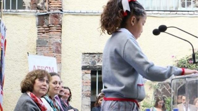 Η δήμαρχος της Πόλης του Μεξικού αποφάσισε: Αν θέλουν τα αγόρια να φοράνε φούστες