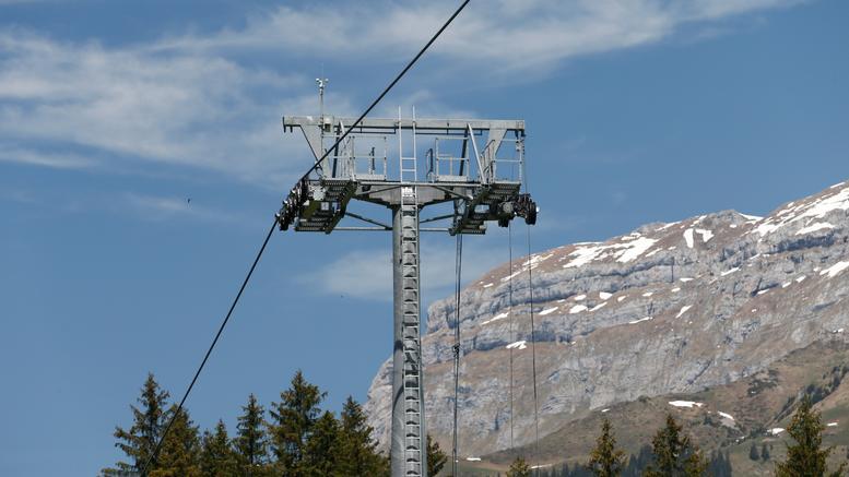 Δυστύχημα σε χιονοδρομικό στην Ελβετία: Ένας νεκρός, έξι τραυματίες