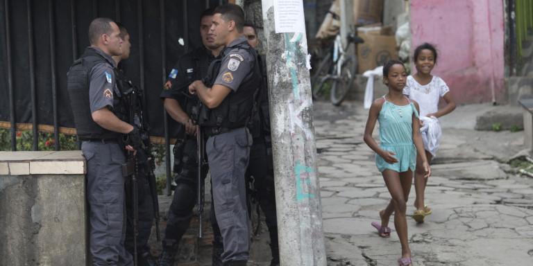 Περιπέτεια στη Βραζιλία για Ελληνα παρουσιαστή: Επεσαν πυροβολισμοί την ώρα των γυρισμάτων