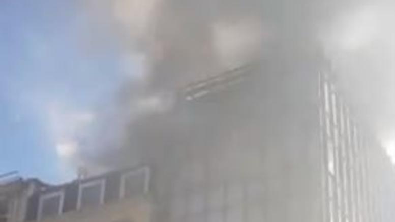 Μεγάλη πυρκαγιά σε εστιατόριο στο Μέιφερ του Λονδίνου