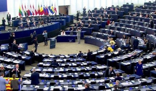 Τι μισθό, επιδόματα, εφάπαξ και μπόνους παίρνουν οι ευρωβουλευτές