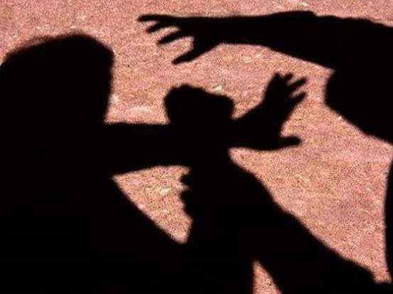 Αλόννησος: Ήρθαν στα χέρια με σφυριά και σκεπάρνια