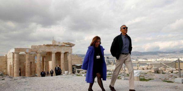 Η αρχαιολόγος που ξενάγησε τον Ομπάμα στην Ακρόπολη θα την πληρώσει για το αναβατόριο