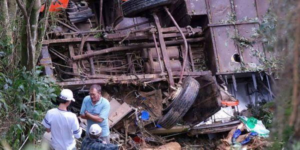 Λεωφορείο ανετράπη στη Βραζιλία - Τουλάχιστον 10 νεκροί