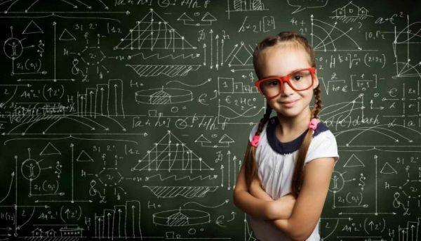 Βραβεύτηκαν μαθηματικά μυαλά για τις διακρίσεις τους σε πανελλήνιο διαγωνισμό