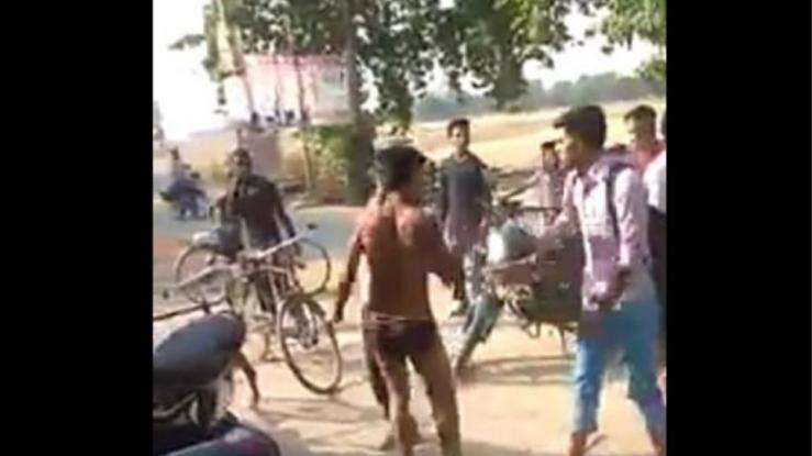 Μαθητής λιντσαρίστηκε μέχρι θανάτου από συμμαθητές του επειδή έκατσε στις μπροστινές θέσεις