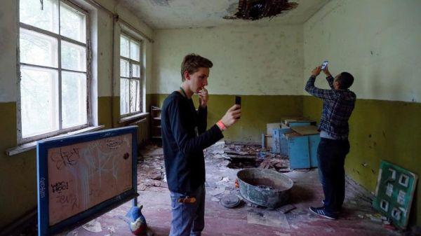 Ουκρανία: Οργή για τον καταιγισμό σέλφι από τουρίστες του Τσέρνομπιλ