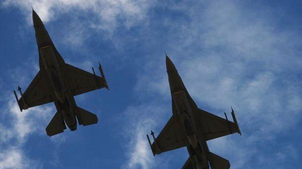 Νέες υπερπτήσεις τουρκικών F-16 πάνω από τρία ελληνικά νησιά