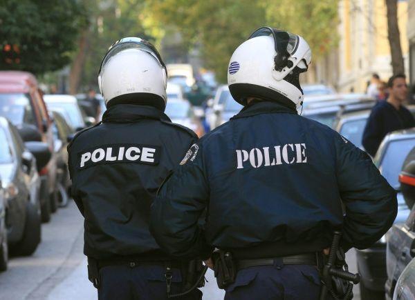 Βράβευση των αστυνομικών που έσωσαν 13χρονη από αυτοκτονία