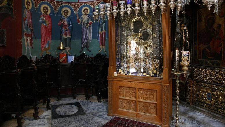 Αφαίρεσαν τάματα από την Παναγία την Πορταΐτισσα