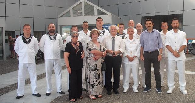 Κοντά στους καρκινοπαθείς η μπάντα του Πολεμικού Ναυτικού