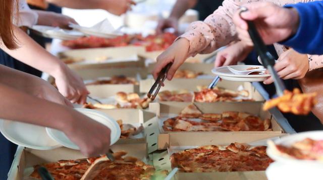 Στιγμές Pizza Fan με πάρτι και χορηγίες