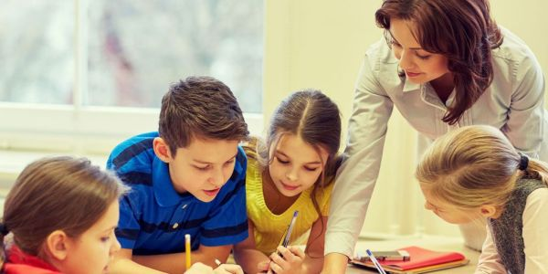 Βράβευση αριστούχων μαθητών στ' τάξης Δημοτικών Σχολείων Μαγνησίας