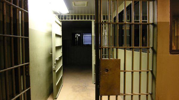 Ηράκλειο: Διακινούσαν ναρκωτικά για λογαριασμό κρατουμένου σε φυλακή