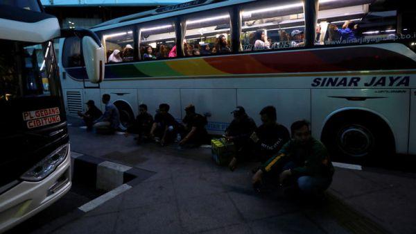 Ινδονησία: 12 νεκροί σε τροχαίο - Επιβάτης άρπαξε το τιμόνι πούλμαν