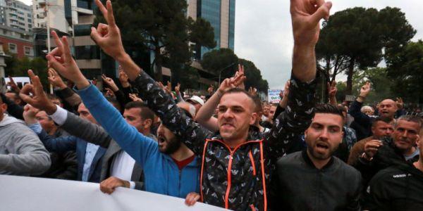 Παραμένει η πολιτική αστάθεια στην Αλβανία - Στον αέρα οι δημοτικές εκλογές