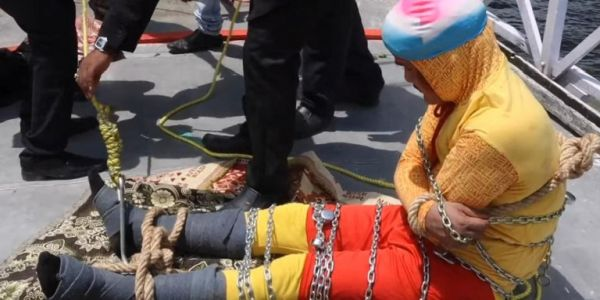 Ινδία: Μάγος ήθελε να κάνει τον Χουντίνι, αλλά το τέλος ήταν τραγικό
