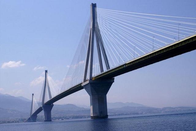 Ποδηλάτης έπεσε από τη γέφυρα Ρίου – Αντιρρίου