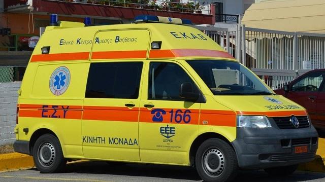 Οδηγός ΙΧ που πάρκαρε παράνομα επιτέθηκε με πέτρα σε οδηγό λεωφορείου