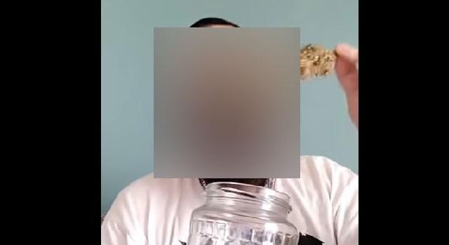 Στα χέρια της ΕΛ.ΑΣ. γνωστός Youtuber για διακίνηση ναρκωτικών ουσιών και κατοχή όπλων